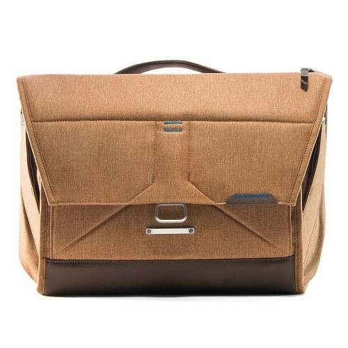 "Peak Design The Everyday Messenger 15"" Heritage Tan"